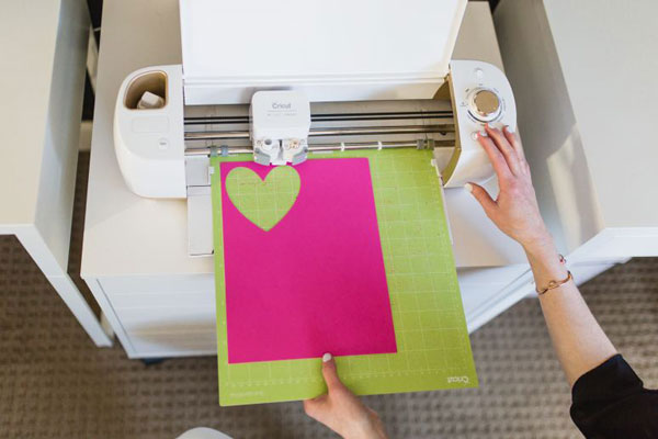 cut the cardstock paper with Cricut efficiently